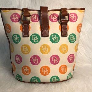 Dooney & Bourke Bags - Vintage DOONEY & BOURKE bucket bag & wristlet